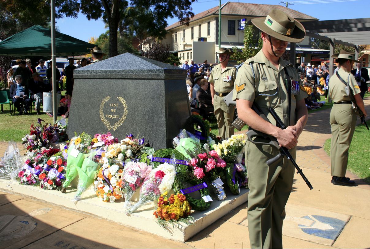 lest we forget - Canowindra's ANZAC Day Event