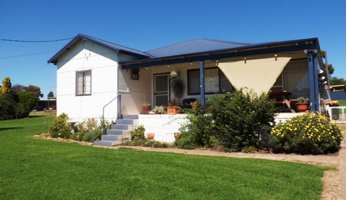 First Home Buyers Dream … 4 Cowra St