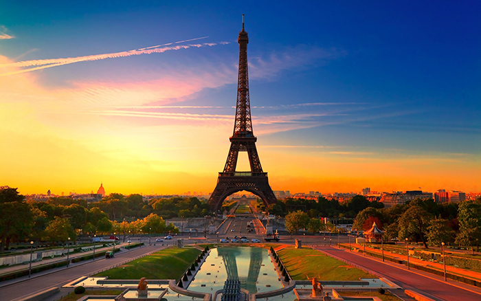 Eiffel-Tower-Paris-France-romantic-cities