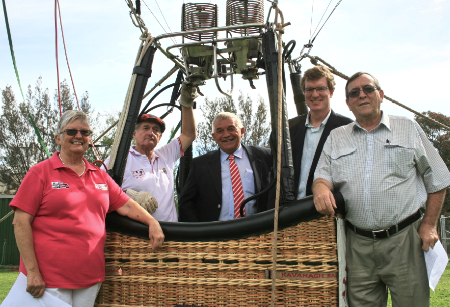 Arthur Falconer with (left to right) Jan and Graham Kerr, Mayor Ian Gosper and MP for Orange Andrew Gee at this year's balloon challenge launch.