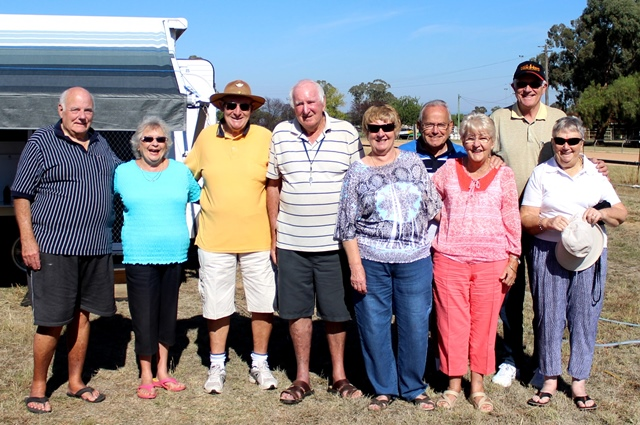 Rob, Leah, Dave, Vicki, John, Anne, Roger and Gwen enjoying a relaxing weekend in Canowindra