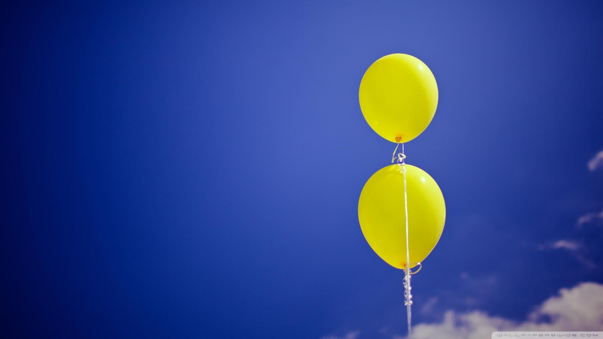 yellow-balloons_00434175