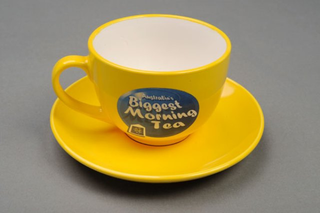 AKatmadas-teacup-and-saucer2L