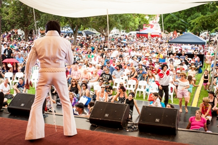 2015 Elvis tribute artist (c) Parkes Elvis Festival (2)