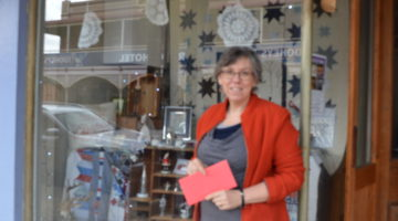 Canowindra Sparkles For Christmas In July
