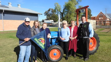 24 Hour Tractorthon Heading For Canowindra
